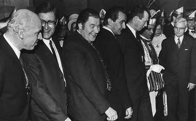 Derde van links: Wethouder Jan Massink