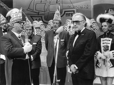 President Leo van Velp en Max Tailleur bij de Blauwe Schuit