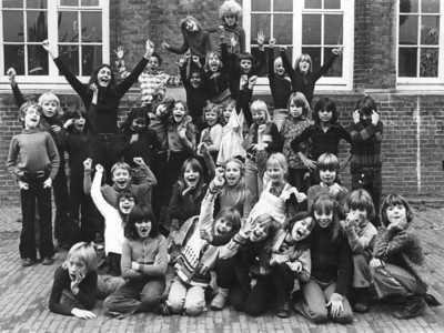 1975-ishFrankSchool-b-Alb006