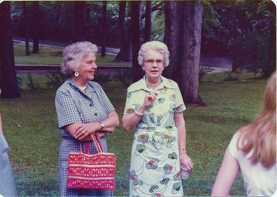 """Lucy Stearns & Helen """"Dinny"""" Stearns"""