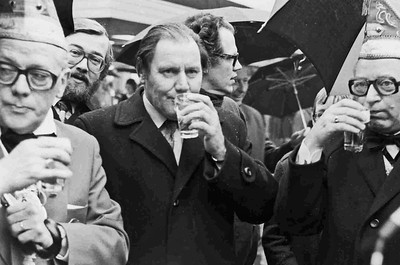 Optocht Kieken, Jan Massink in het midden en rechts Joop Fackeldey