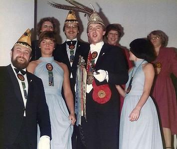 Afscheid van Prins Winfried en zijn Kabinet in Hotel Belvoir, de avond voor de Proclamatie van de nieuwe Prins van Knotsenburg.