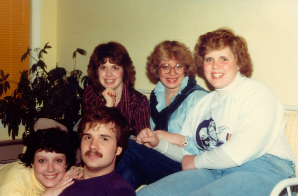 1981-10-00 Friends