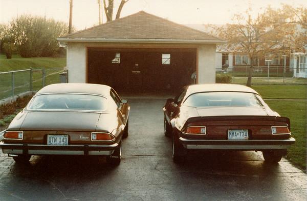 1983-05-00 CamarosAtGrandpas3
