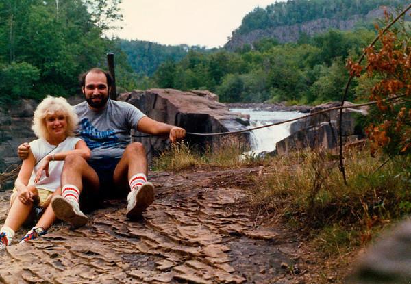 1988-07-00 DaveDebPigeonRiver1