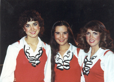 The Wisconsin Singers: a few of the girls before our On Campus show: L-R: Kelly Plitt, Lori Brocolli and me.