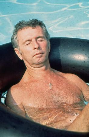 08 Pool Party - John Hanlons'