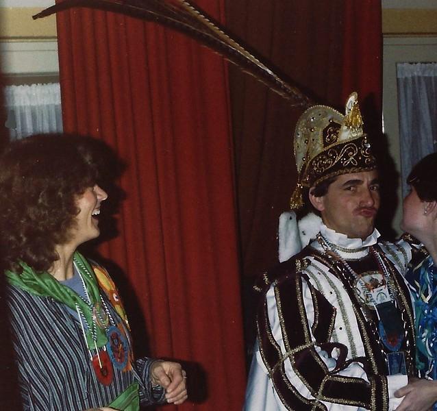 De Vastenavond-Knonne, met links Fanny van Lier