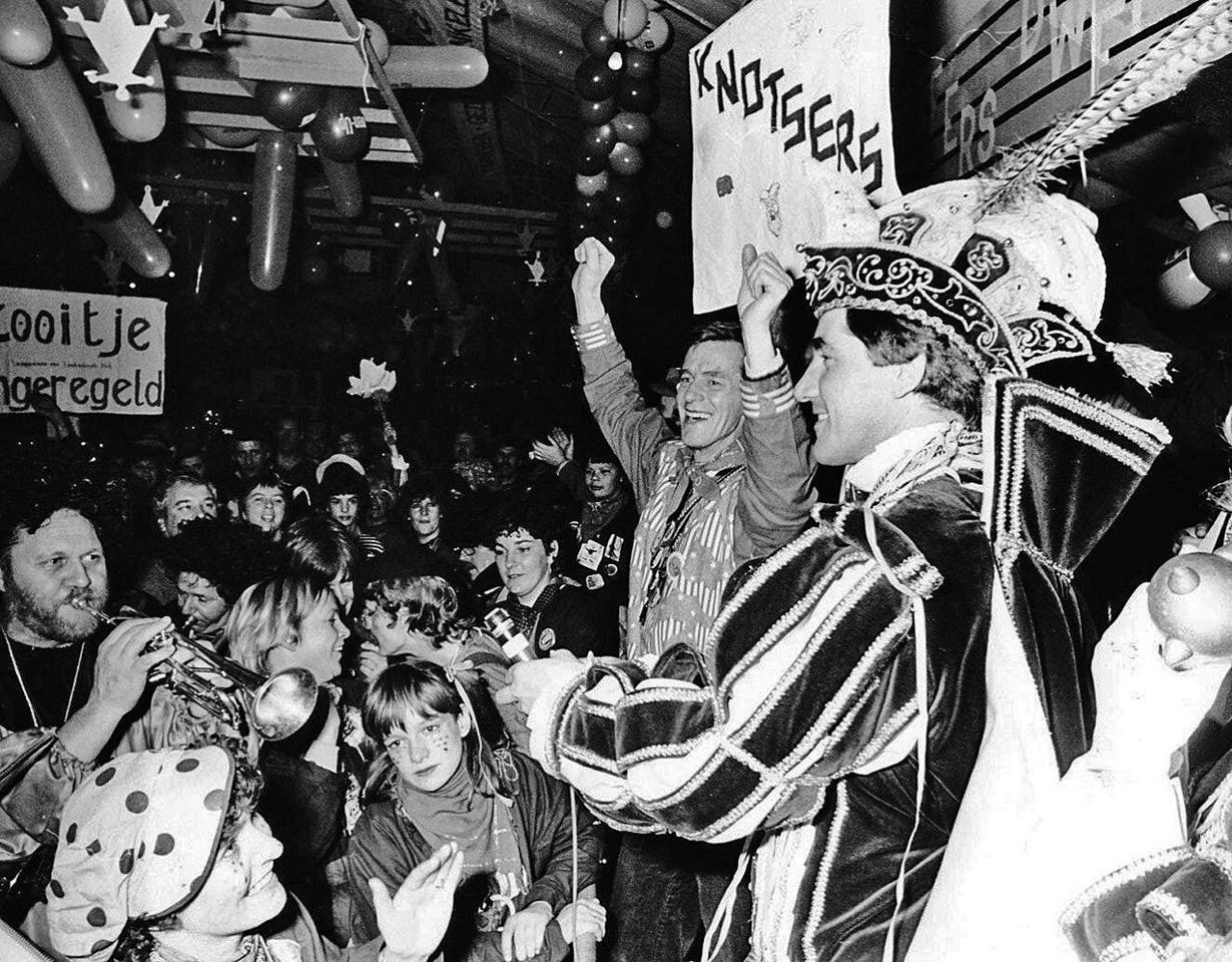 Dweilorkestenfestival van de Slurfers in de Hostent