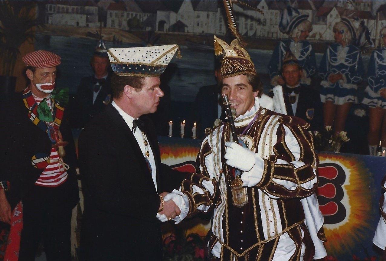 Nijmeegse Jokers met Graodus fan Nimwegen en Willie van Gemert met Prins Jos den Tweede