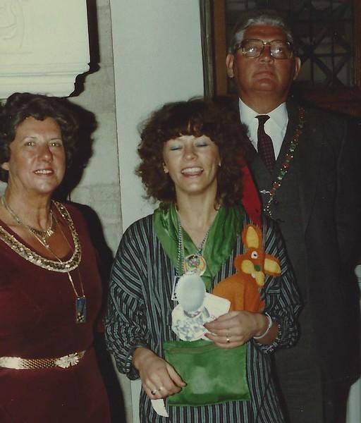 Mevrouw Hermsen, Fanny van Lier en Burgemeester Hermsen