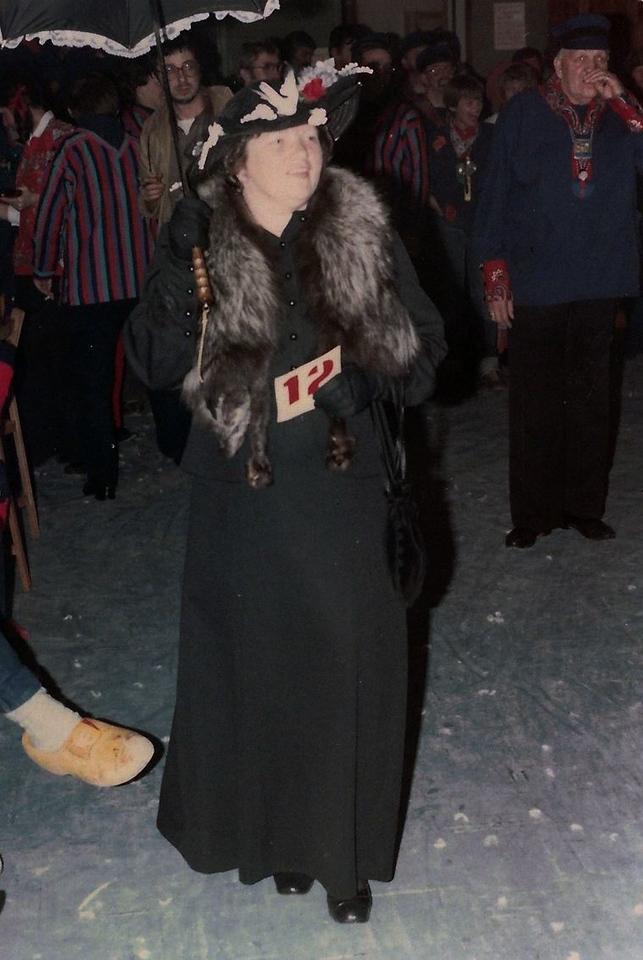De Vrolijke Heikneuters met verkiezing Miss Heikneuter