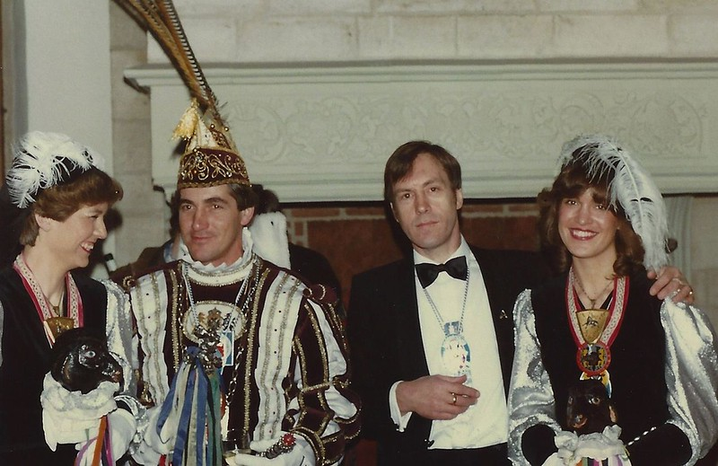 Pages van 't Swerte Schaop met Prins Jos den Tweede en Chauffeur-Fotograaf Toon Peters