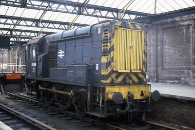 08069 in the disused bay platforms at Dumfries (25/07/1983)