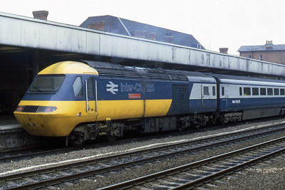 43113 'City of Newcastle upon Tyne' is seen at Doncaster on the rear of a Kings Cross bound service (12/07/1983)