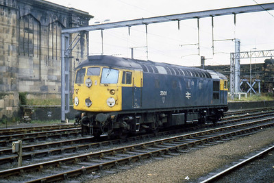26011 awiats its next duty at Carlisle (27/07/1983)
