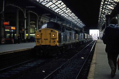 37012 + 37179 pass through Preston with 6S37 Clitheroe - Gunnie cement (17/04/1984)
