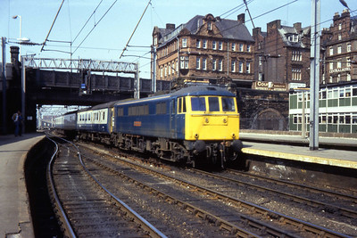 86254 'William Webb Ellis' arrives at Carlisle with 1Exx 1120 Glasgow - Harwich (26/04/1984)