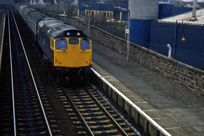 27014 arrives at Annan with 1Mxx 15xx Glasgow Central - Carlisle (14/04/1984)