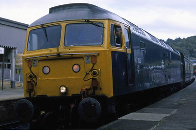 47705 is pictured again at Keighley with 1M26 (06/10/1984)