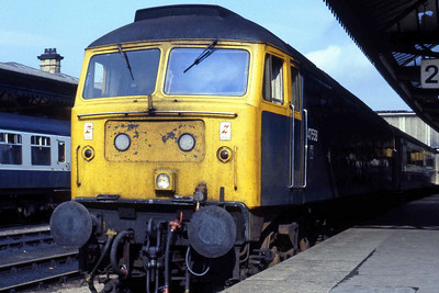 47558 'Mayflower' is seen at Sheffield with 1S85 0717 Harwich Parkeston Quay - Glasgow Central (29/09/1984)