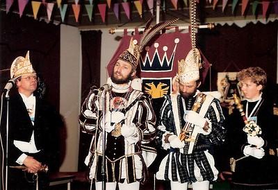 Het jaarlijkse Prinsentreffen van St. Anneke, 't Swerte Schaop en Stichting Openbaar Carnaval bij de Arnhemse carnavalsvereniging de On-Ganse en Marskopppen