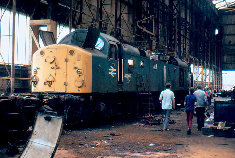 40006 is not long for this world inside the cutting shop at Crewe Works 19/08/84
