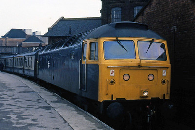 47004 waits to depart from Doncaster with 1A61 0833 Leeds - Kings Cross relief (05/04/1985)