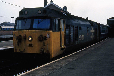 50050 'Fearless' is seen at Salisbury later that morning with 1V09 0838 Waterloo - Exeter (09/03/1985)