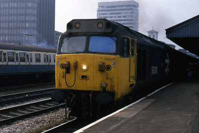 50049 departs Reading for the Capital with 1A48 1105 Paignton - Paddington (26/10/1985)