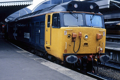 50003 'Temeraire' awaits departure from London Paddington with the 1807 to Hereford (30/05/1986)