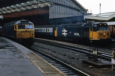 47536 waits to work forward on the 0655 Yeovil - Cardiff as 50028 'Tiger' heads 1Sxx 0900 to Glasgow Central at Bristol Temple Meads (27/05/1986)