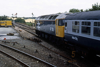 47518 departs Liskeard a couple of hours later with 1M45 1210 Penzance - Manchester Piccadilly (16/08/1986)