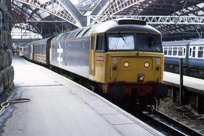 47365 at Liverpool Lime Street with the stock for the 1640 to Paddington. I headed back to Preston on '529, so I'm not sure whether it was performing a 'shunt-release' or actually worked the train (04/08/1986)
