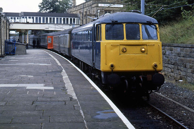 85006 is pictured on arrival at Lancaster with the 1145 from Carlisle (04/08/1986)