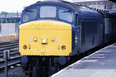 The re-engined 1Mxx 1425 Newcastle - Liverpool waits to depart from York behind 45121 (22/05/1987)