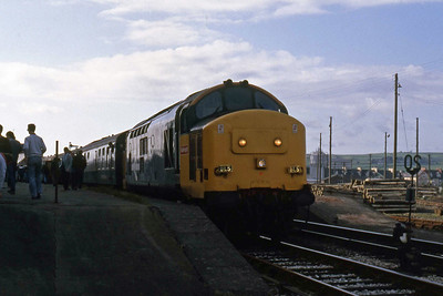 Having run round its train once more, 37698 waits to depart from Barnstaple and take the tour back south to Exeter (07/06/1987)
