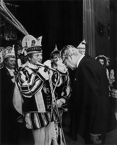 Prinsenproclamatie: onderscheiding voor Burgemeester Frans Hermsen