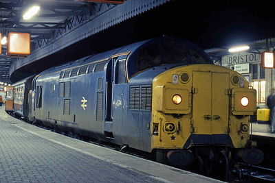 Another view of 37096 at Temple Meads after arriving from Weymouth with 2Vxx. The service was booked for a DMU so for it to be formed of hauled stock with a 'no-heat' locomotive in January was exceptionally unusual (22/01/1988)