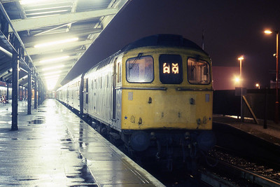 33209 awaits departure from Weymouth later that evening with 2Vxx 1935 to Bristol Temple Meads via Yeovil (23/01/1988)