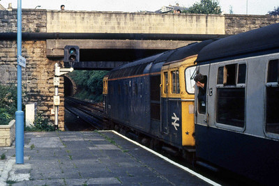 33201 powers away from its Bradford-on-Avon call with 1O46 1605 Swansea - Portsmouth Harbour. Even the locals on the overbridge seem to be paying attention to trains that are baout to disappear forever (14/05/1988)