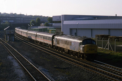 45115 approaches Keighley with an unidentified southbound charter working (22/05/1988)