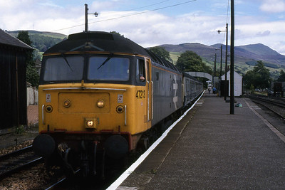 47213 departs from Blair Atholl with 1H11 1135 Edinburgh - Inverness (15/08/1988)