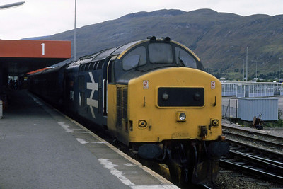 Having run round its train, 37411 waits to work back to Mallaig with 2Y53 1415 from Fort William (15/09/1988)