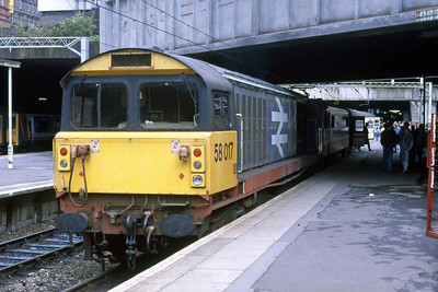 58017 is pictured again on arrival at Birmingham New Street with 1Gxx (28/08/1988)