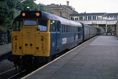 Thornaby's 31281 waits to depart from Lancaster later that evening with 2E90 2030 to Leeds. This service was regularly loco-hauled on weekdays due to an ongoing shortage of DMUs in West Yorkshire (11/08/1988)