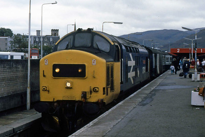 37411 waits to depart from Fort William with 2Y51 1005 to Mallaig (15/09/1988)