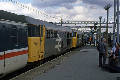31166 + 31155 are pictured on arrival at Leeds with 1D22 1042 ex-Skegness (27/08/1988)