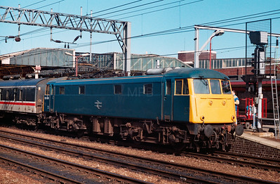 85 006 at Crewe on 11th March 1989