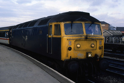 97561 is pictured at Derby with the FO 1C72 1530 to St Pancras. This train was bizarrely booked for an ETH 37 (probably explains why I was there then!) but seldom produced one (27/01/1989)